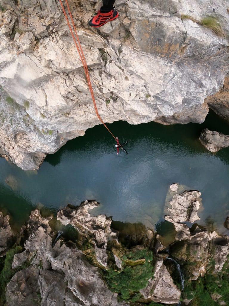 canyoning du diable canyoning du diable saint guilhem le desert herault 34 randonnée aquatique descente canyon du diable