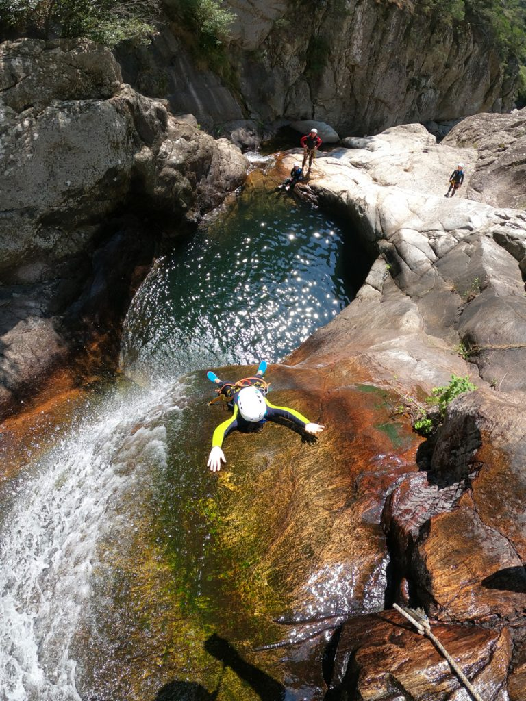 canyoning mons la trivalle canyon du rec grand canyoning debutant famille herault languedoc roussillon