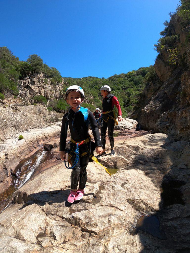 canyoning prés de beziers Herault languedoc roussillon 34500 canyoning enfant