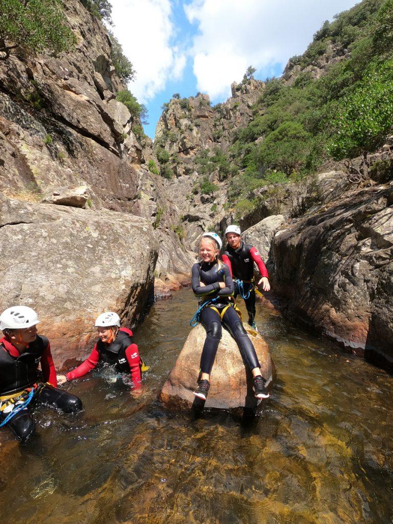 canyoning prés de béziers herault 34500 randonnée aquatique canyonisme
