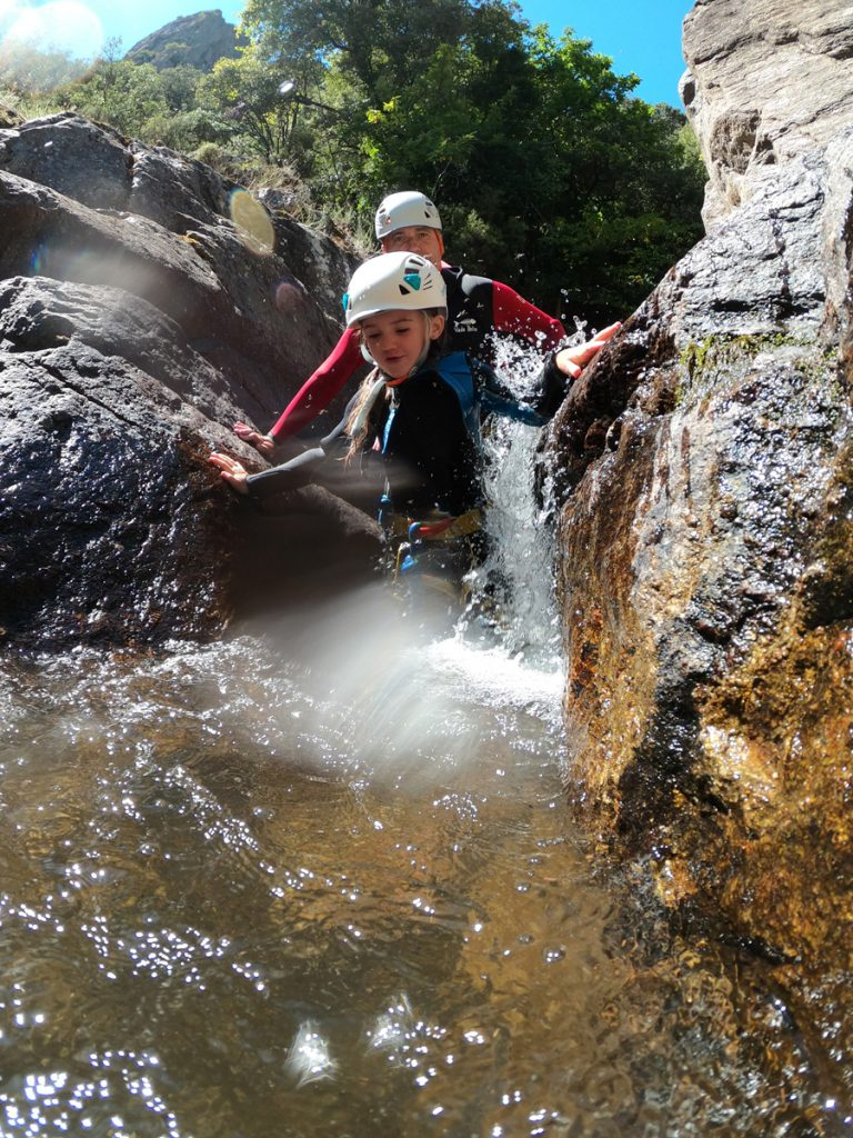 canyoning proche beziers Herault languedoc roussillon 34500 canyoning enfant